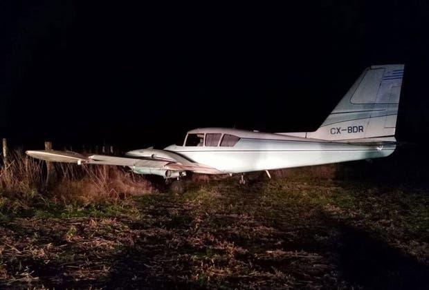 La aeronave de matrícula uruguaya, inutilizada y abandonada
