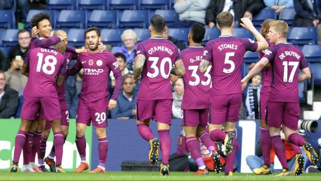El festejo de Manchester City, que sigue firme en lo más alto