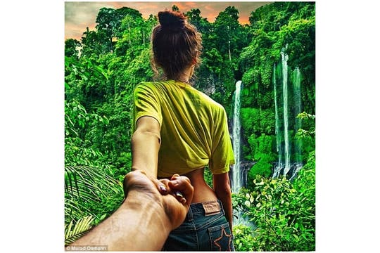 Las imágenes del fotógrafo Murad Osmann y su novia.