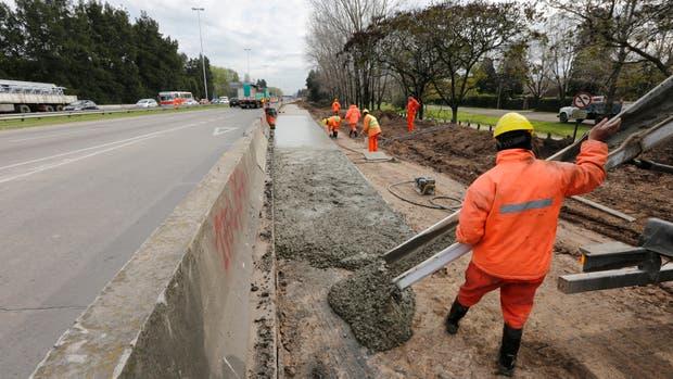 Los trabajos en la construcción del nuevo carril