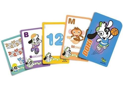 Cartas didácticas de Doki, el personaje de Discovery Kids, con colores, formas, números y palabras. Ideales para niños a partir de los 3 años ($25 en librerías y jugueterías). Foto: lanacion.com