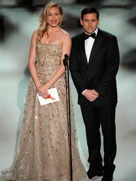 Cameron Diaz y Steve Carell presentan la categoría Mejor Película Animada, que fue para Up.. Foto: AFP