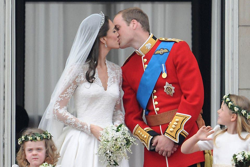 El beso en el balcón de Buckingham Palace, el día en que dieron el sí ante el mundo, el 29 de abril del 2011. Foto: /Getty Images