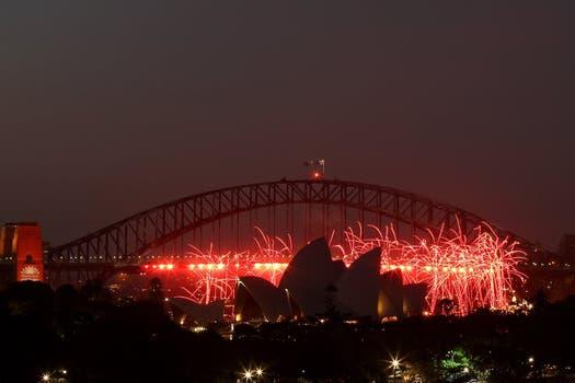 Show de fuegos artificiales en Sidney, una de las primeras ciudades en recibir el 2013. Foto: AFP