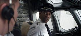 Denzel Washington interpreta al complejo personaje central en el film que llega pasado mañana