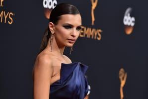 Emily Ratajkowski y los mejores y peores looks de los Emmy 2016
