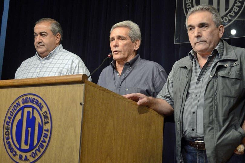 La conducción se reunió ayer en secreto para explorar la sucesión del triunvirato