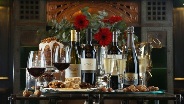 Los kits gourmets, con vinos de reconocidas bodegas, son uno de los regalos más populares entre las empresas
