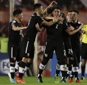 El festejo del gol de Franco, en un gran primer tiempo