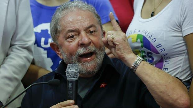 Lula hizo una amplia declaración, acusando al fiscal del caso de montar un show mediático