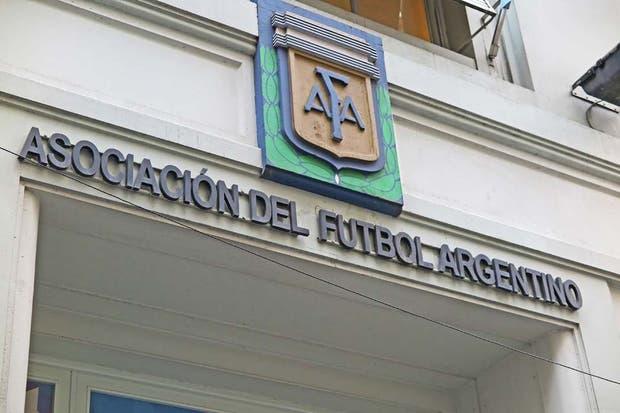 Los clubes argentinos piden a la FIFA que pague los 350 millones que les debe AFA
