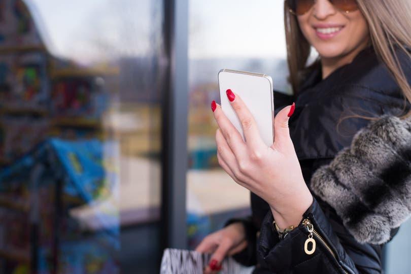 Nueva economía - Marketing en redes sociales: Las empresas buscan cada vez más a aquellas personas que tienen menos de 100.000 seguidores para patrocinar sus contenidos