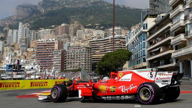 Vettel vuela en Mónaco y logra el mejor tiempo