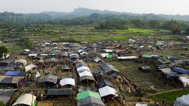Un campo de refugiados recientemente construido en Unchiprang cerca de la ciudad fronteriza de Teknaf, Bangladesh