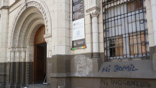 Robaron 190.000 pesos de una caja fuerte de la Facultad de Humanidades de Rosario
