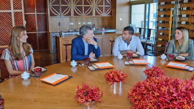 Awada, Macri, Tevez y Vanesa Mansilla se reunieron en el hotel donde se alojaron el Presidente y la primera dama