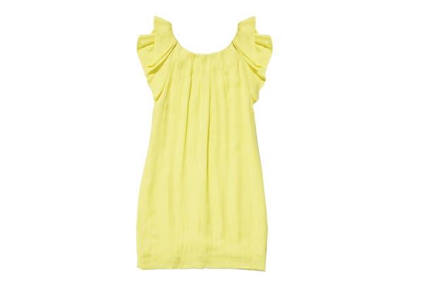 Vestido limón (Josephine, $754). Con manguitas mariposa.