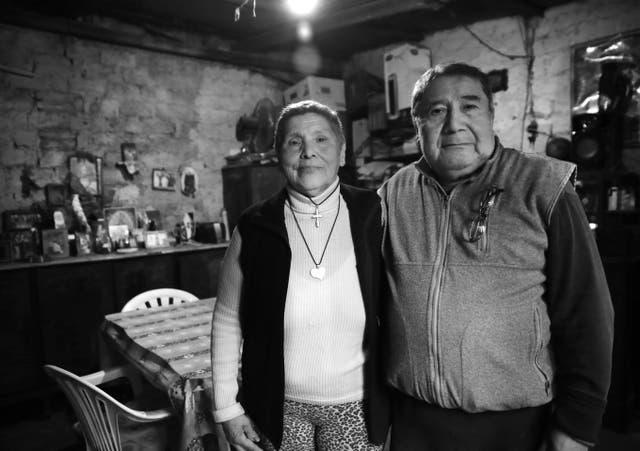 Felina Arroyo y Rafael Romero viven hace 43 años precariamente en la villa 20