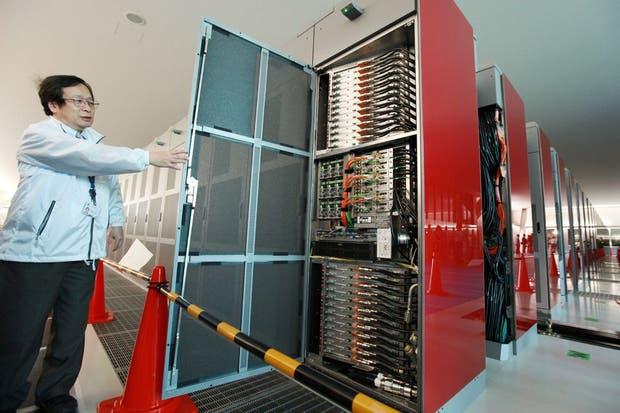 K, la supercomputadora creada por Fujitsu, en detalle, desde el instituto Riken en Kobe, Japón