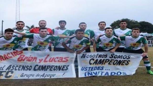 """""""Nosotros campeones, ustedes invitados"""", la bandera de la provocación"""