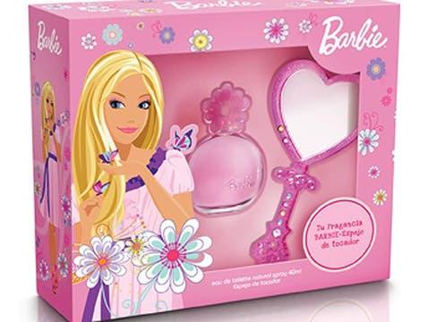 Para nenas coquetas, el cofre Barbie Pink con fragancias de 40 ml y espejo ($49, en las principales jugueterías). Foto: lanacion.com