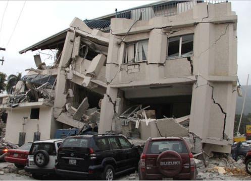 Dramático escenario en Haití, tras el sismo. Foto: AP