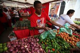 Venezuela instala un sistema de racionamiento ante la crisis