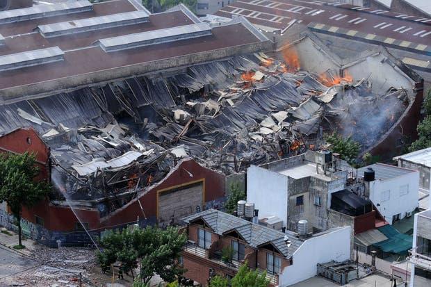 Así quedó el depósito de Barracas que se incendió en 2014