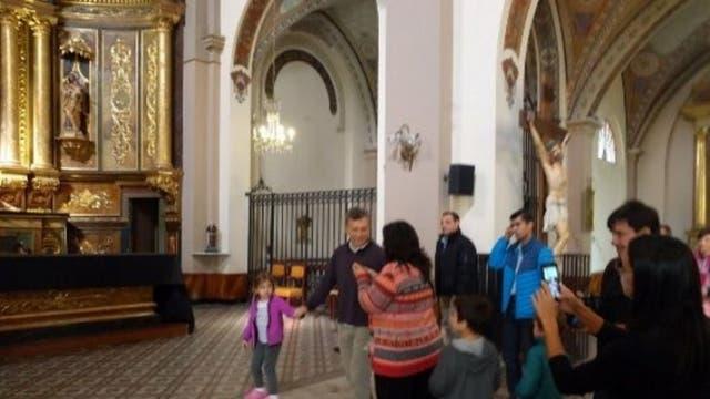 Macri con su hija Antonia, ayer, en Tandil