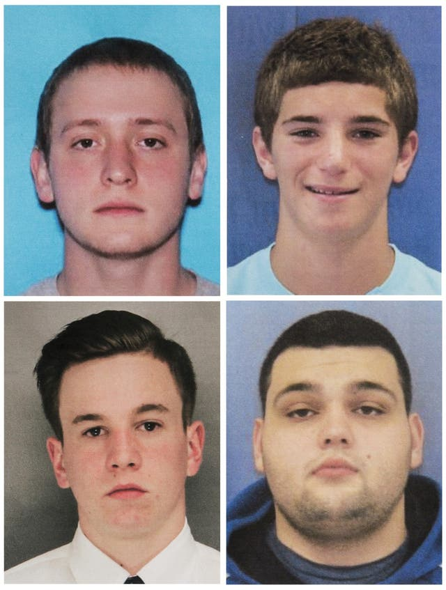Tom Meo (arriba a la izquierda); Jimi Tar Patrick (abajo a la izquierda); Dean Finocchiaro, (arriba a la derecha); y Mark Sturgis (abajo a la derecha)