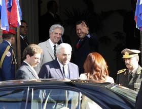 Chávez y la Presidenta llegaron retrasados a la cumbre del Mercosur