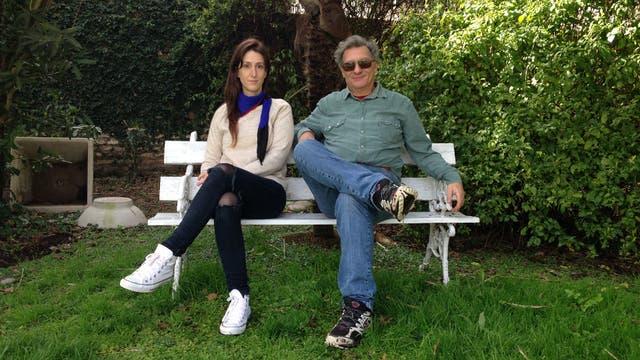 Los Pierri: Me siento afortunada porque mi familia forma parte de la historia del arte argentino, dice Tiziana, aquí junto a su padre, Duilio, evocando también a sus abuelos