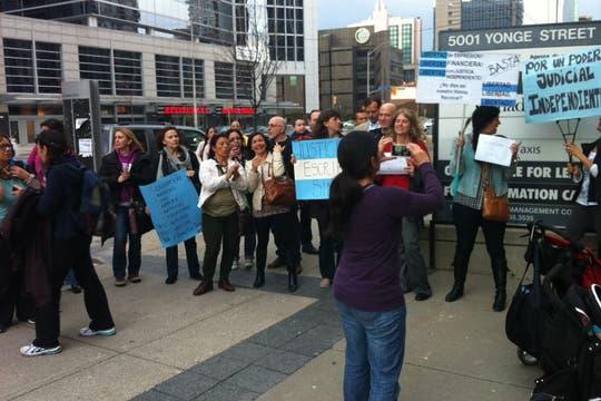 La protesta también se escuchó en Toronto, Canadá. Foto: Gentileza: Enrique Aguirre
