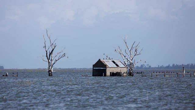 Muchos campos quedaron sin poder producir por el avance del agua