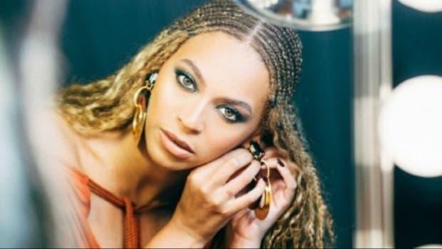 Beyoncé interpretaría nuevo tema de James Bond