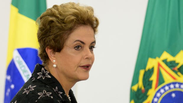 Dilma Rousseff suma problemas a la crisis