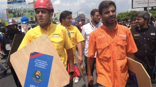 Diputados venezolanos encabezan la marcha opositora