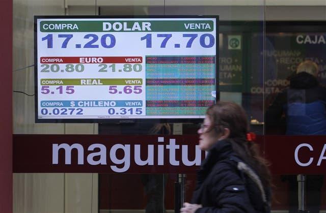 Apenas abrió el mercado, el dólar comenzó a bajar en la City porteña