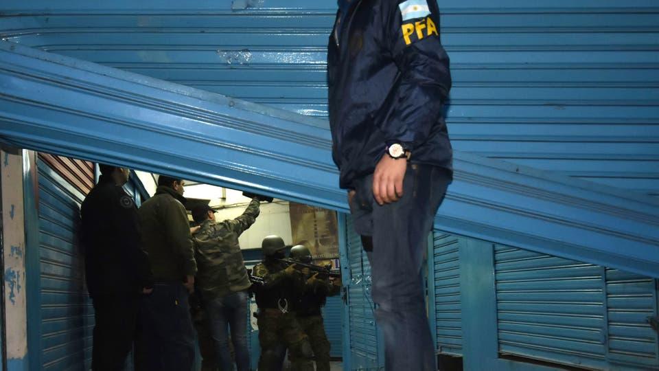 La policía realizó varios allanamientos. Foto: DyN / Tony Gomez