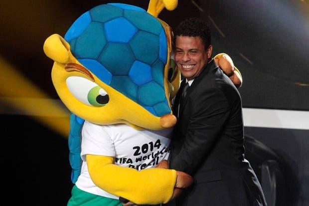 Que lo sepan todos: Gordon banca como pocos al verdadero Ronaldo.  Foto:Reuters
