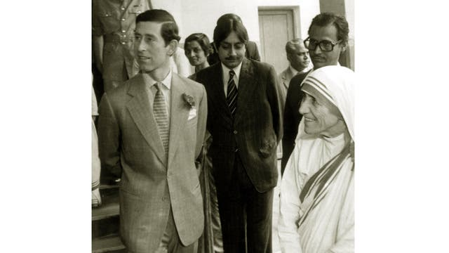 En diciembre de 1980 junto a la Madre Teresa de Calcuta