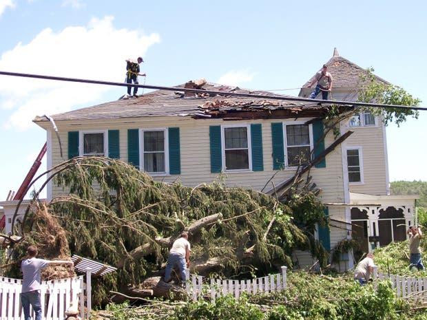 La casa de las hermanas O'Neill luego del tornado de junio de 2011