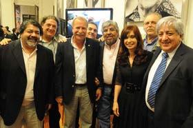 Cristina Kirchner en 2010, junto a Gerardo Martínez (Uocra), Omar Plaini (canillitas) y Hugo Moyano (Camioneros), entre otros