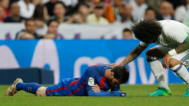 Asi fue el golpe en la boca de Messi