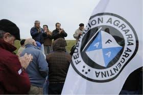 El campo completó ayer su primer día de paro con críticas al Gobierno
