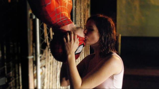 Kirsten Dunst y Tobey Maguire en la versión de Sam Raimi