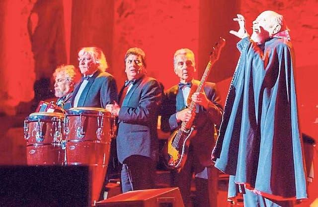 Última función de Carlos Núñez Cortes con Les Luthiers