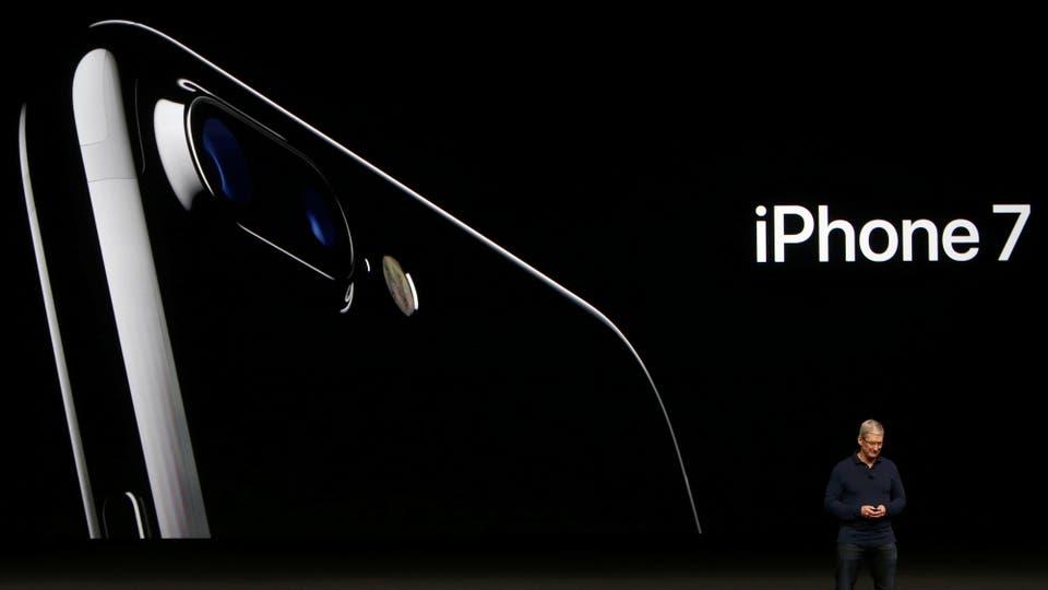 Tim Cook, CEO de Apple, presentó el nuevo iPhone 7. Foto: Reuters
