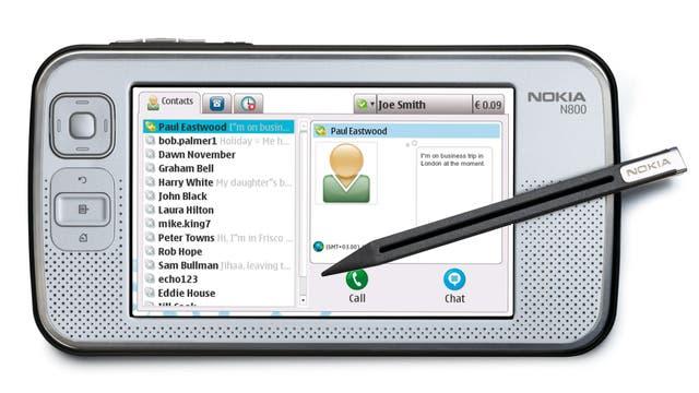 Una tableta N800, con pantalla resistiva; Nokia la presentó en enero de 2007