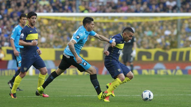 Boca 3 - Belgrano 0, Pero Tevez se hizo expulsar, Insulto